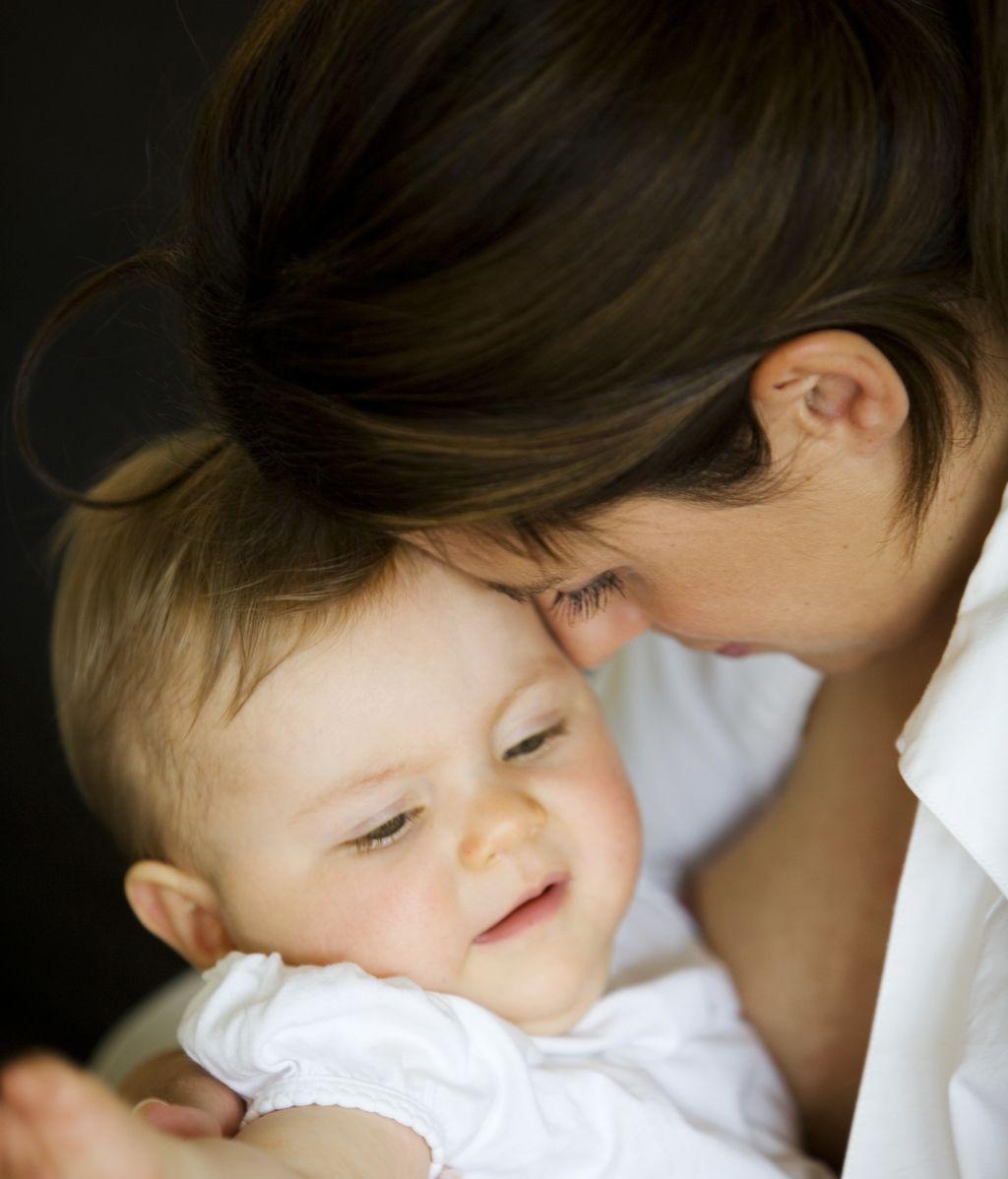 La falta de apego entre madres e hijos favorece su obesidad en la adolescencia