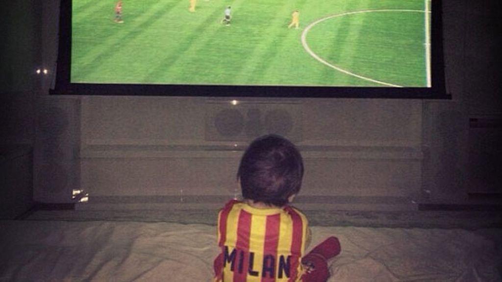"""Piqué: """"Cada noche canto el himno del Barça a Milan"""""""
