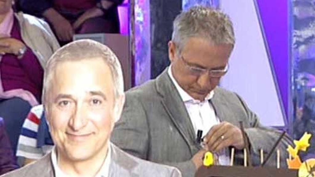 Javier Sardá visita el plató de 'Sálvame'
