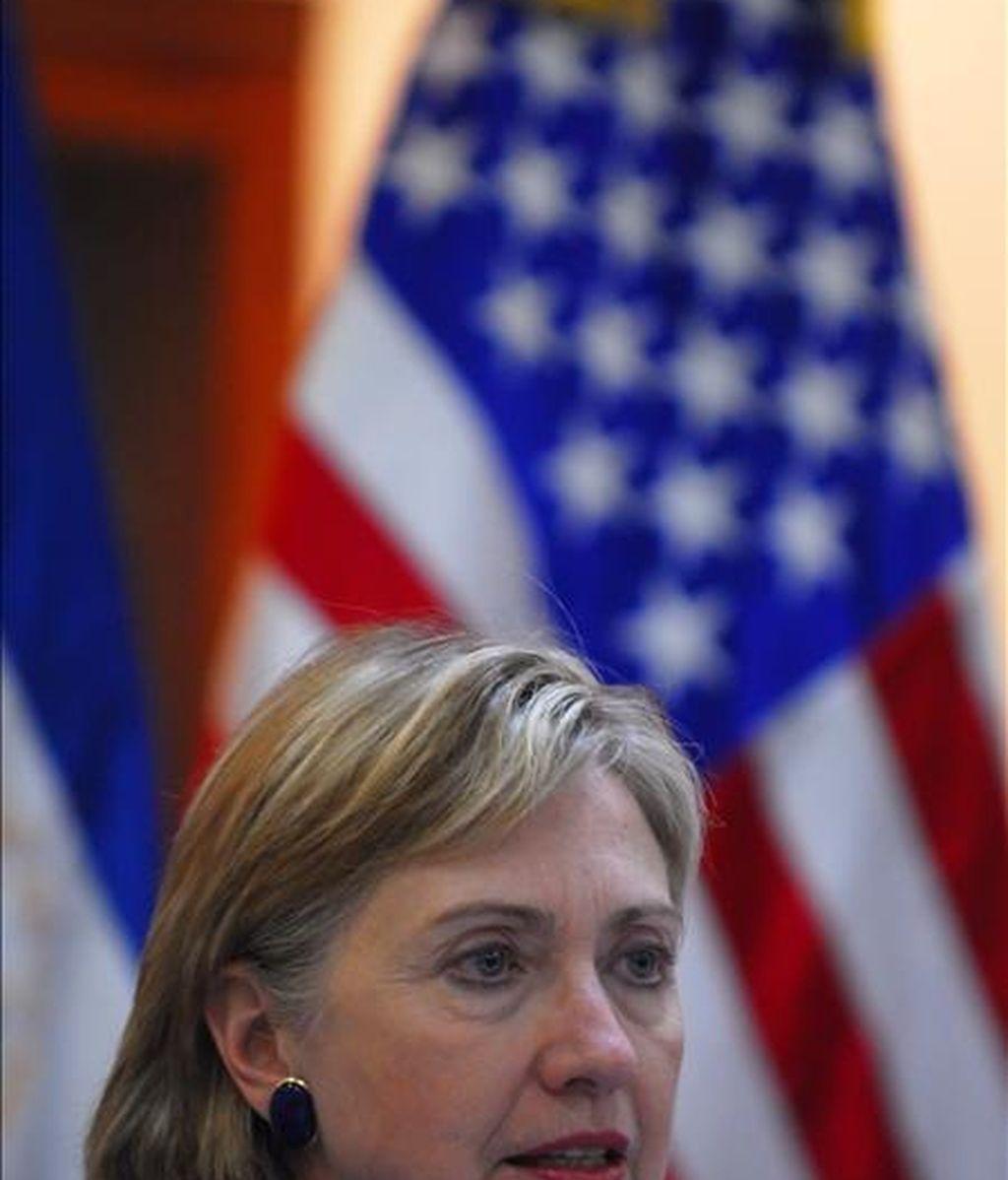 """La secretaria de Estado de EE.UU., Hillary Clinton, dijo que todavía no se ha tomado ninguna decisión porque """"es necesario que haya pruebas recientes de su apoyo al terrorismo internacional"""". EFE/Archivo"""