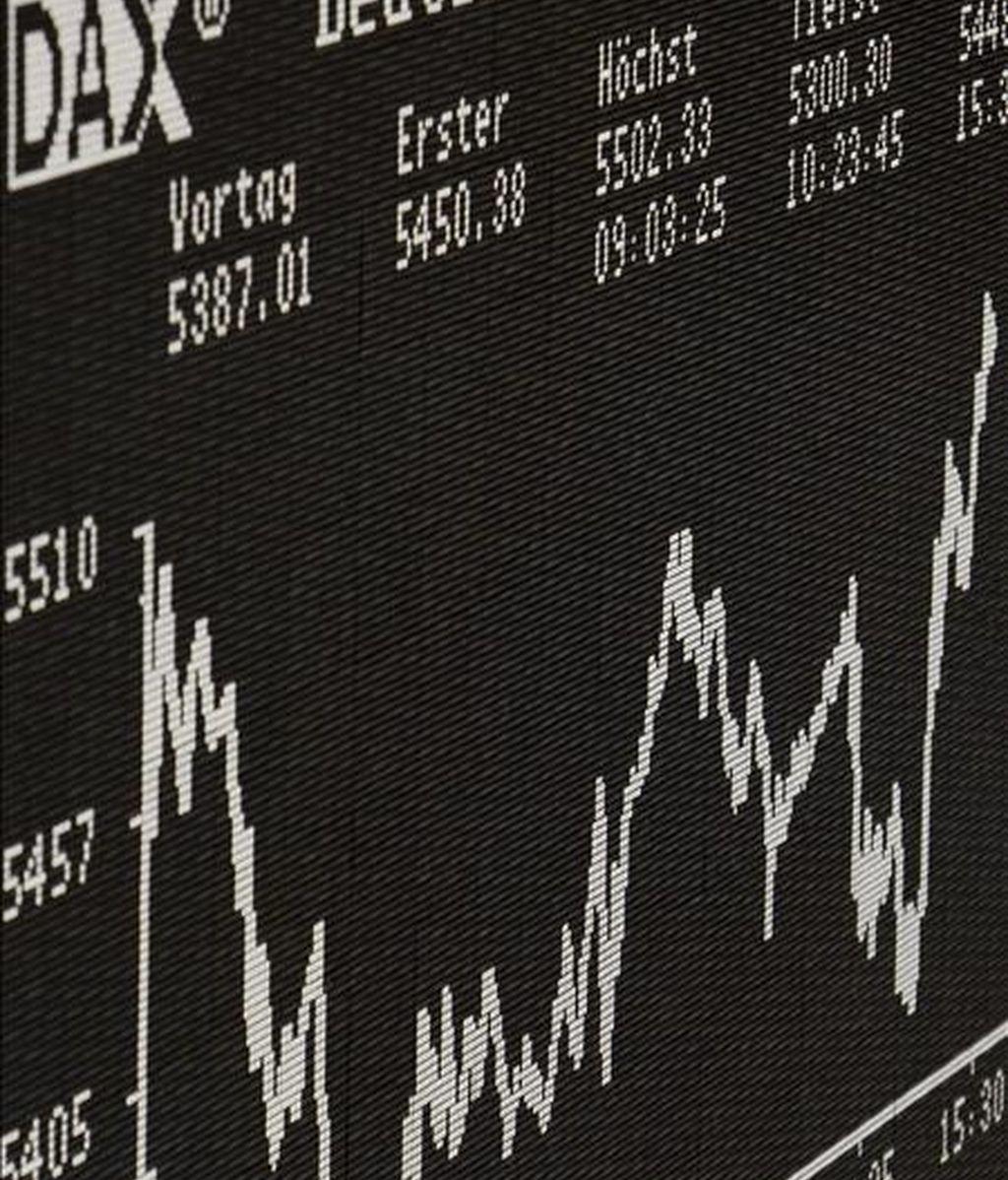 Un gráfico muestra la evolución del índice selectivo DAX 30 de la Bolsa de Fráncfort. EFE/Archivo
