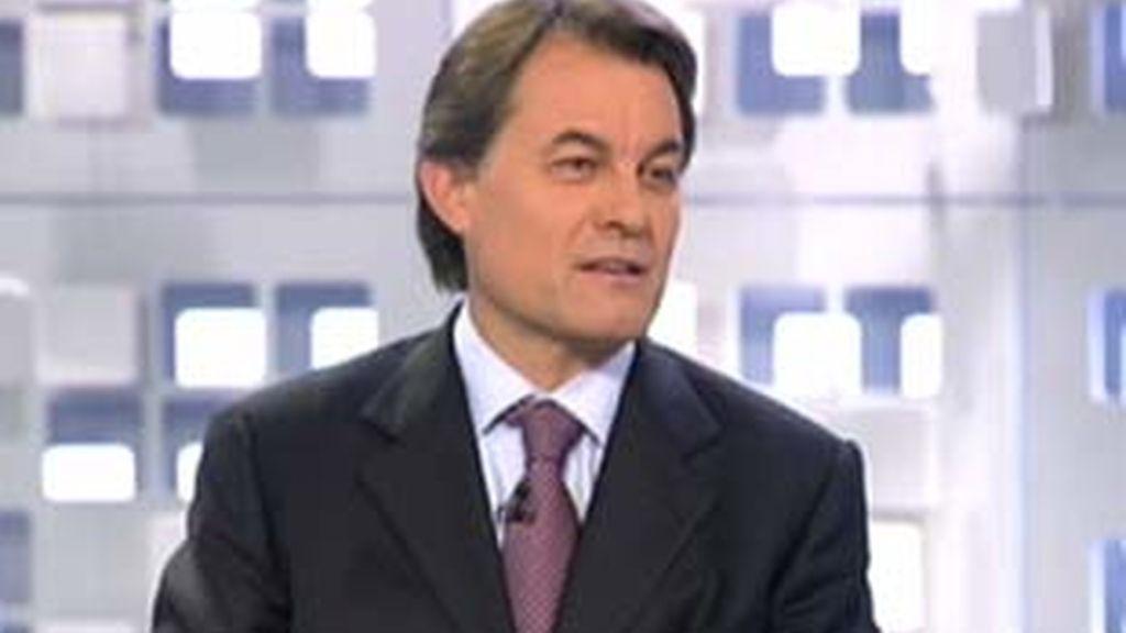 Artur Mas durante su entrevista en La Mirada Crítica. Foto: Informativos Telecinco.