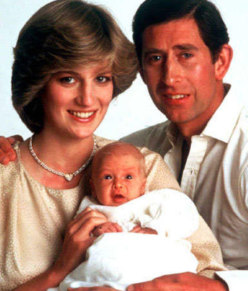 Con sus padres Lady Di y el príncipe Carlos