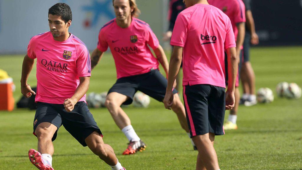 Luis Suárez e Ivan Rakitic en el entrenamiento del FV Barcelona