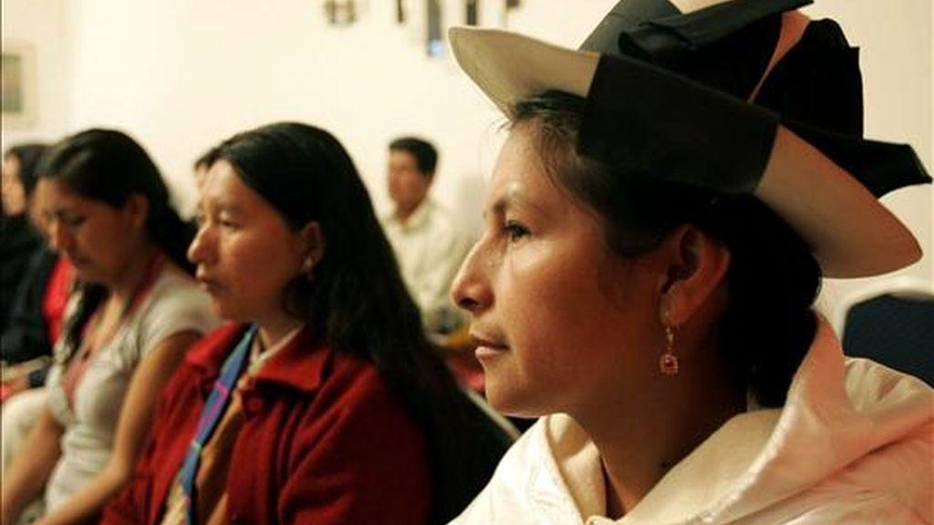 """La peruana Tania Pariona, del Foro Internacional de Mujeres Indígenas (FIMI), lamentó la escasa participación del género femenino como """"verdadero autor de las políticas públicas"""". EFE/Archivo"""