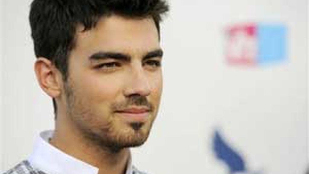 A sus 20 años, Joe Jonas cuenta con un currículum amoroso con el que otros no se atreven ni a soñar. Foto: AP.