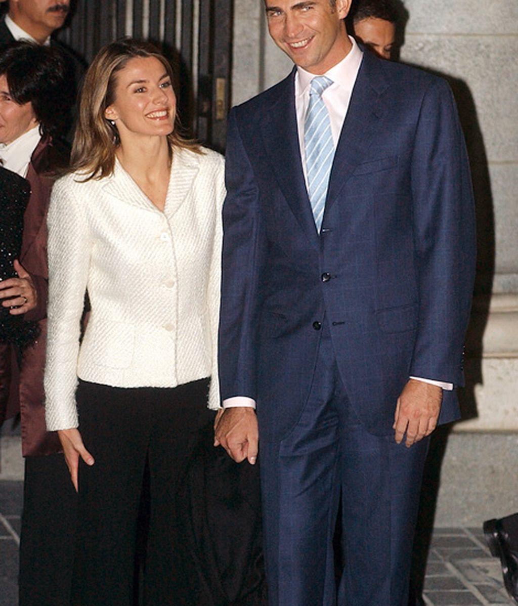 Primera aparición en público tras su compromiso (noviembre 2003)