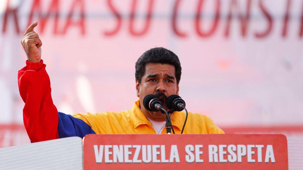 """Maduro no se retracta """"ni una coma"""" y reitera que Aznar es un """"asesino"""""""