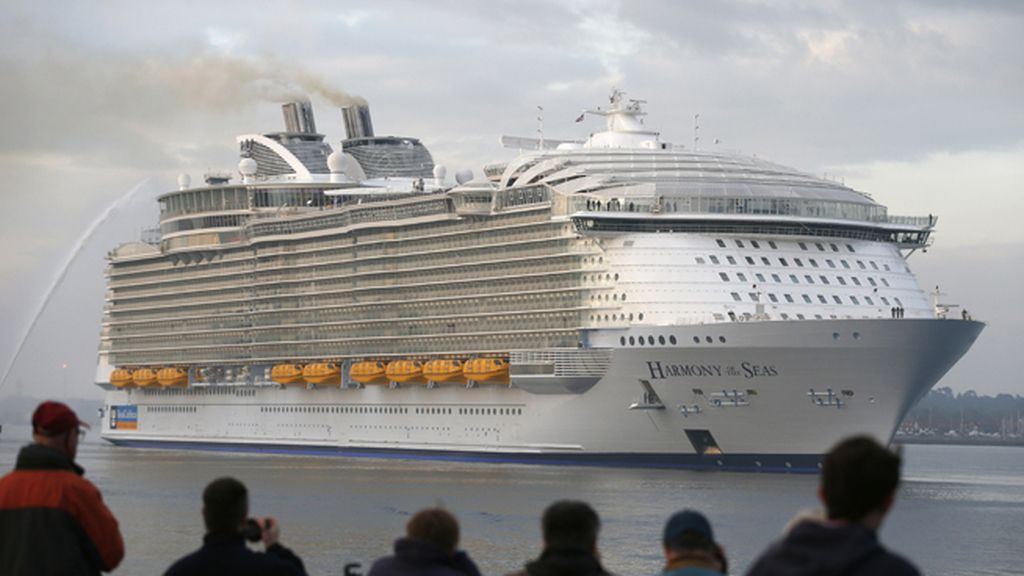 Harmony of the Seas ya surca los mares
