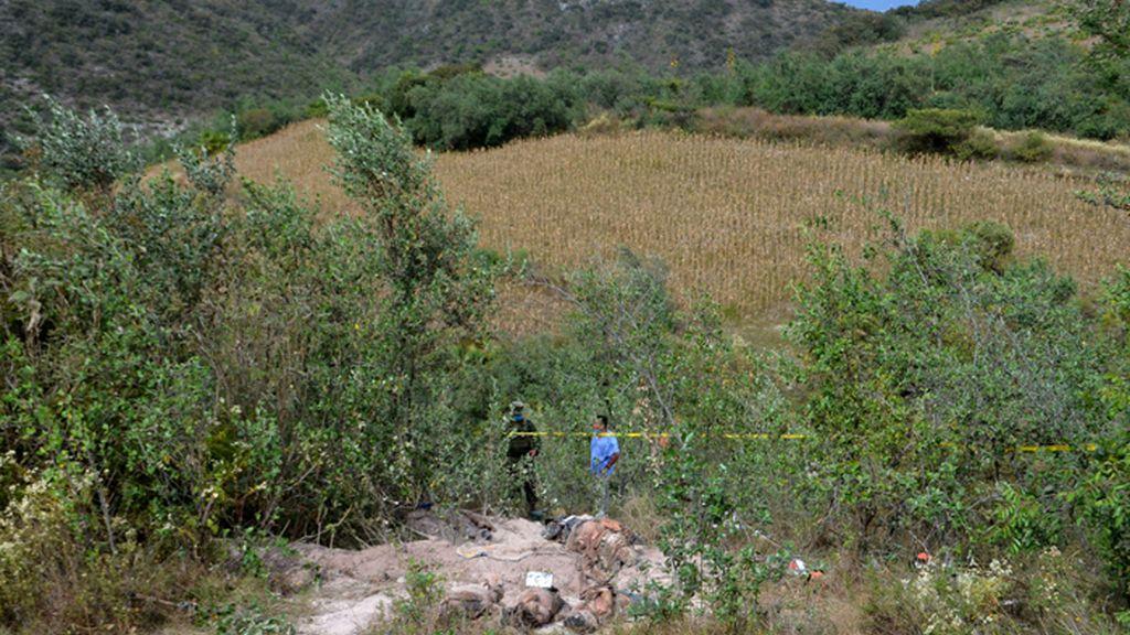 Hallan en Guerrero restos con 10 cadáveres y 11 cabezas humanas en fosas clandestinas
