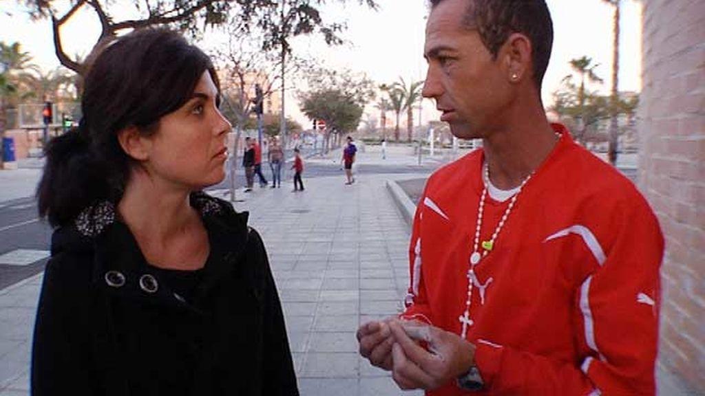 Samanta Villar conoce cómo es el día a día de las personas que viven al límite