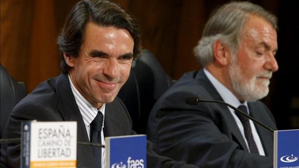 El portavoz del PP en el Parlamento Europeo, Jaime Mayor Oreja, ha advertido hoy de que en Cataluña se ha perdido el respeto al ordenamiento jurídico y ha recordado que no sólo las minorías, también las mayorías, deben someterse a la ley. EFE/Archivo