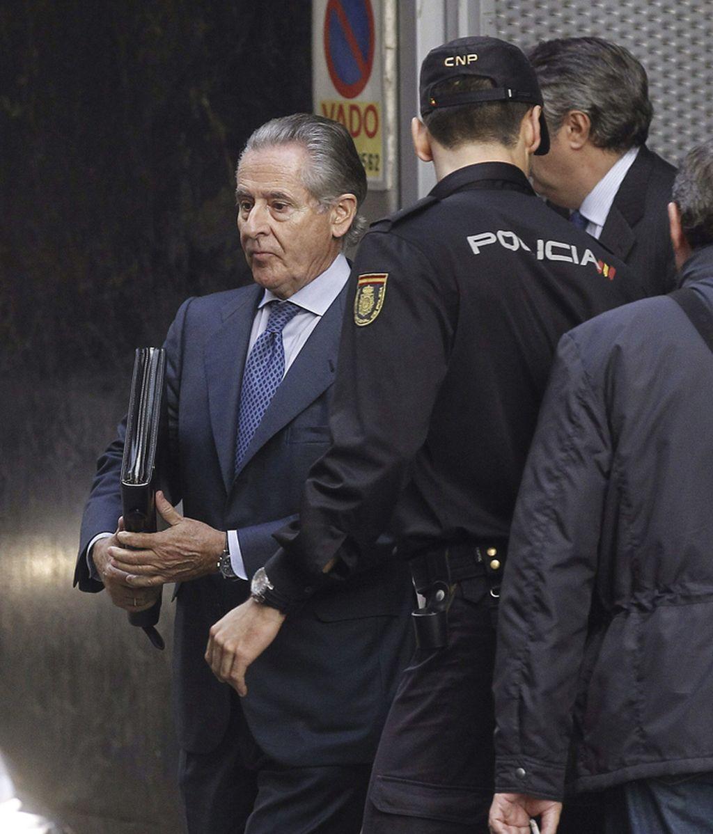 Miguel Blesa sale de la Audiencia Nacional tras declarar por las tarjetas B de Caja Madrid