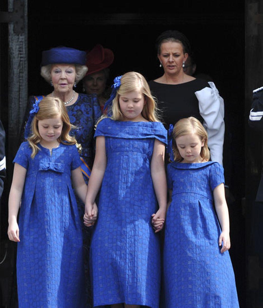 Las niñas y la abuela, todas princesas