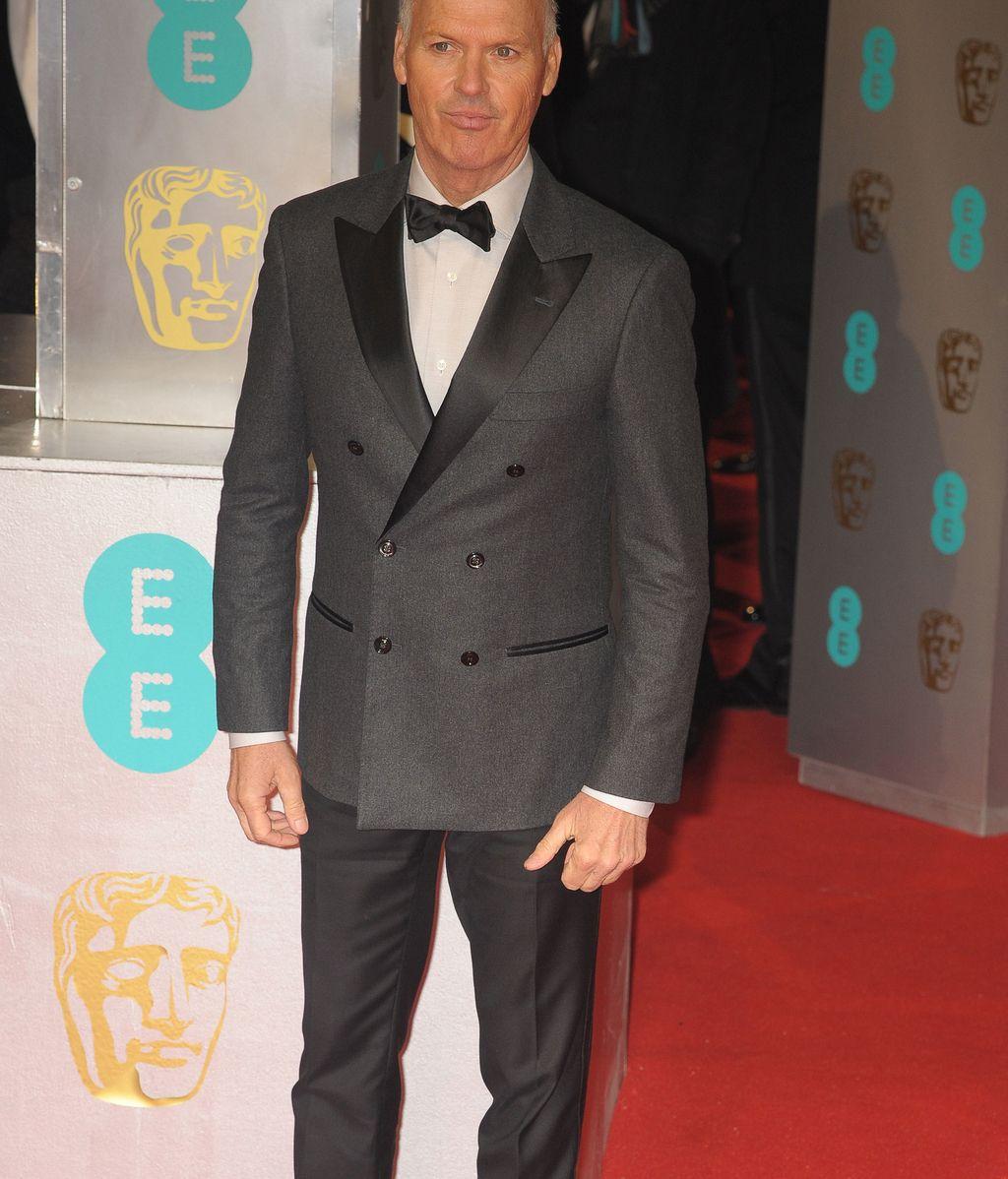 """Seductor Michael Keaton antes de recibir el BAFTA por """"Birdman""""."""