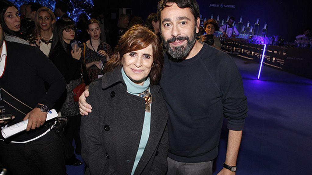 Juanjo Oliva con la periodista Carmen Rigalt