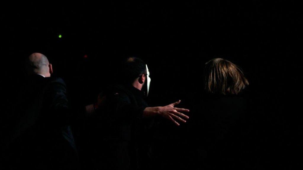 Momento del intento de boicot de Anonymous en la gala