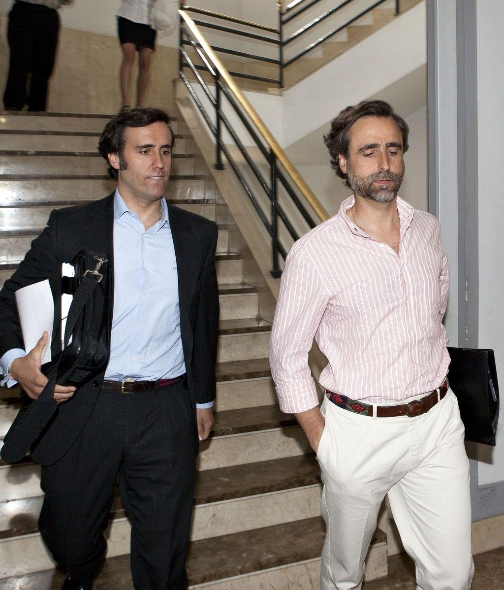 Los hermanos Zoilo (i) y Pablo a su llegada a los juzgados de Palma