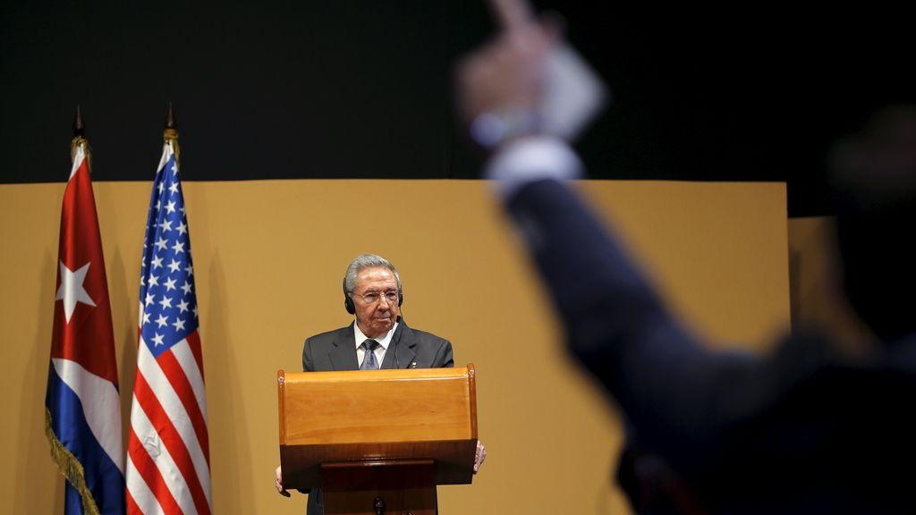 Un periodista pregunta a Raúl Castro en la rueda de prensa con Obama en Cuba