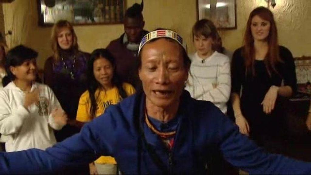 Himba Vs Mentawai