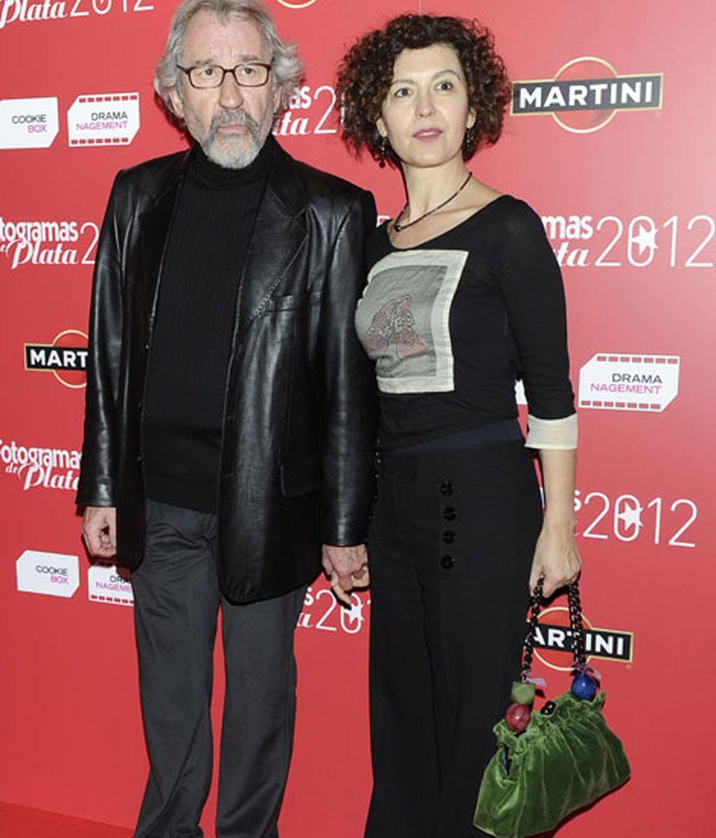 José Sacristan acompañado por su mujer