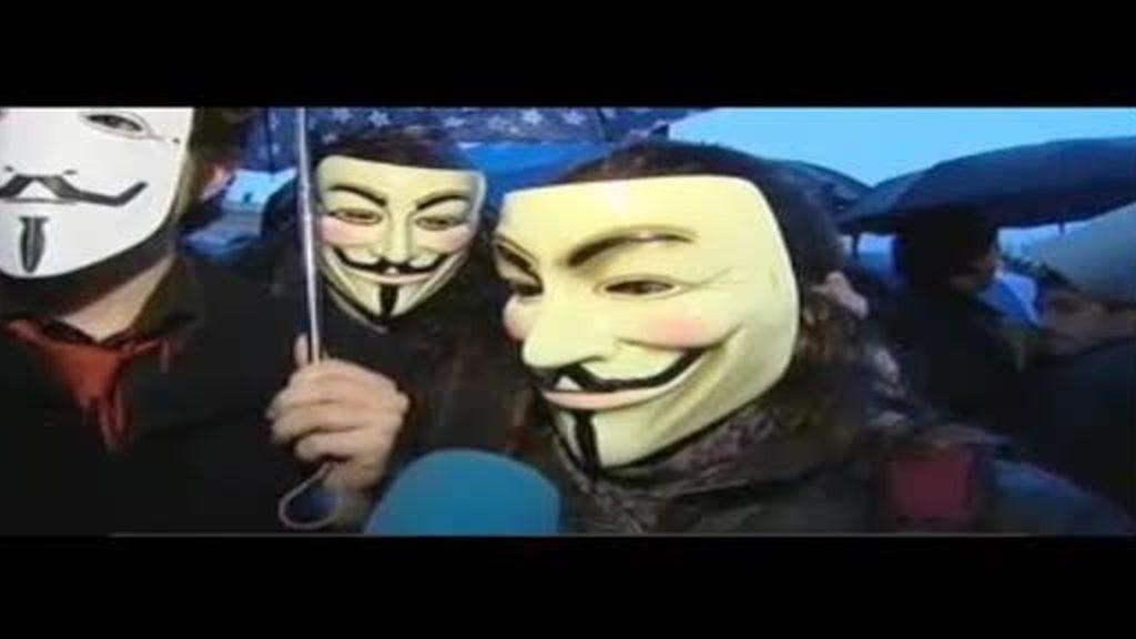 Detenidos tres miembros de Anonymous