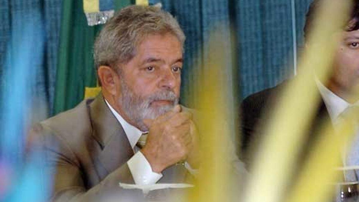 El presidente de Brasil, Luiz Inácio Lula da Silva (d), en el Palacio de Planalto, en Brasilia (Brasil). Foto: EFE