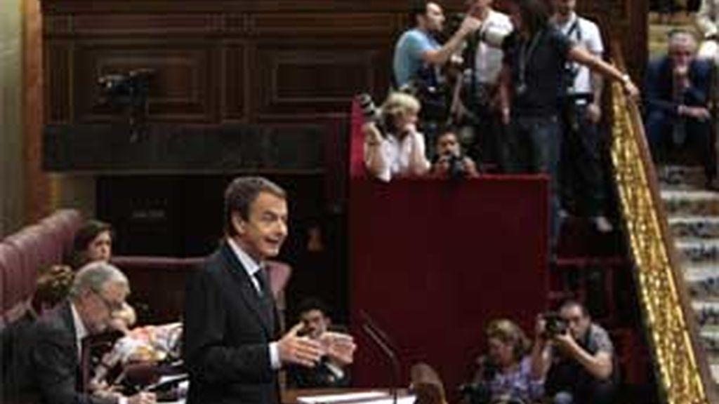Durísima jornada para el presidente en el Congreso de los Diputados. Foto: EFE