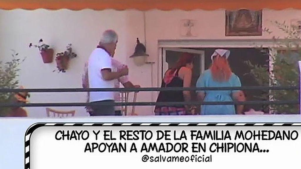 Amador Mohedano reúne a parte de su familia en su casa de Chipiona
