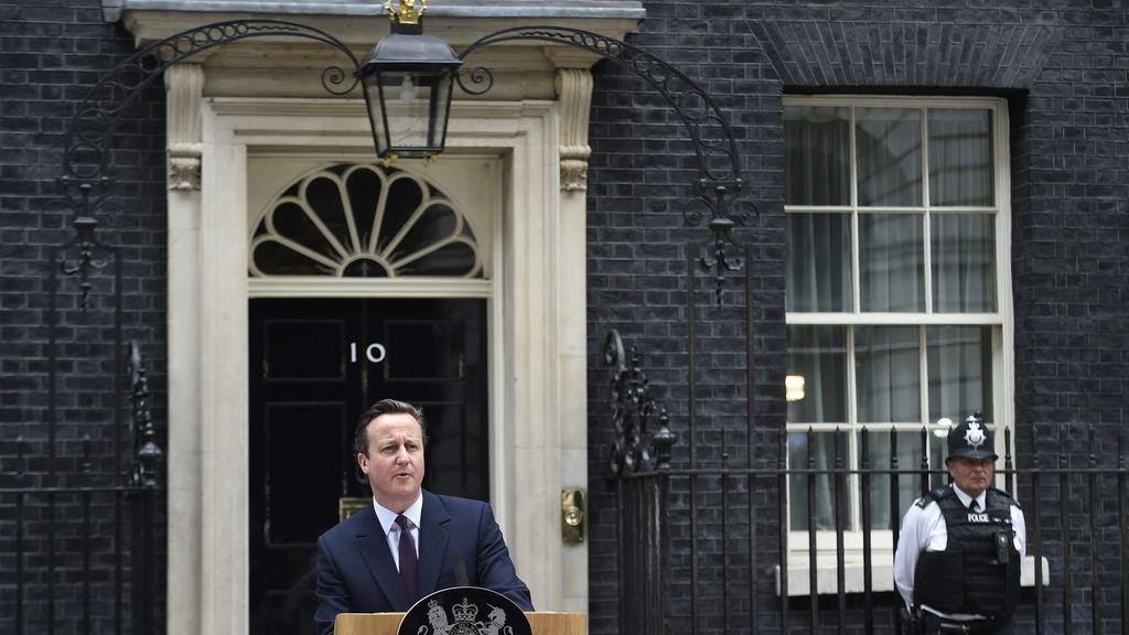 Cameron promete el referéndum de la Unión Europea al asumir nuevo mandato