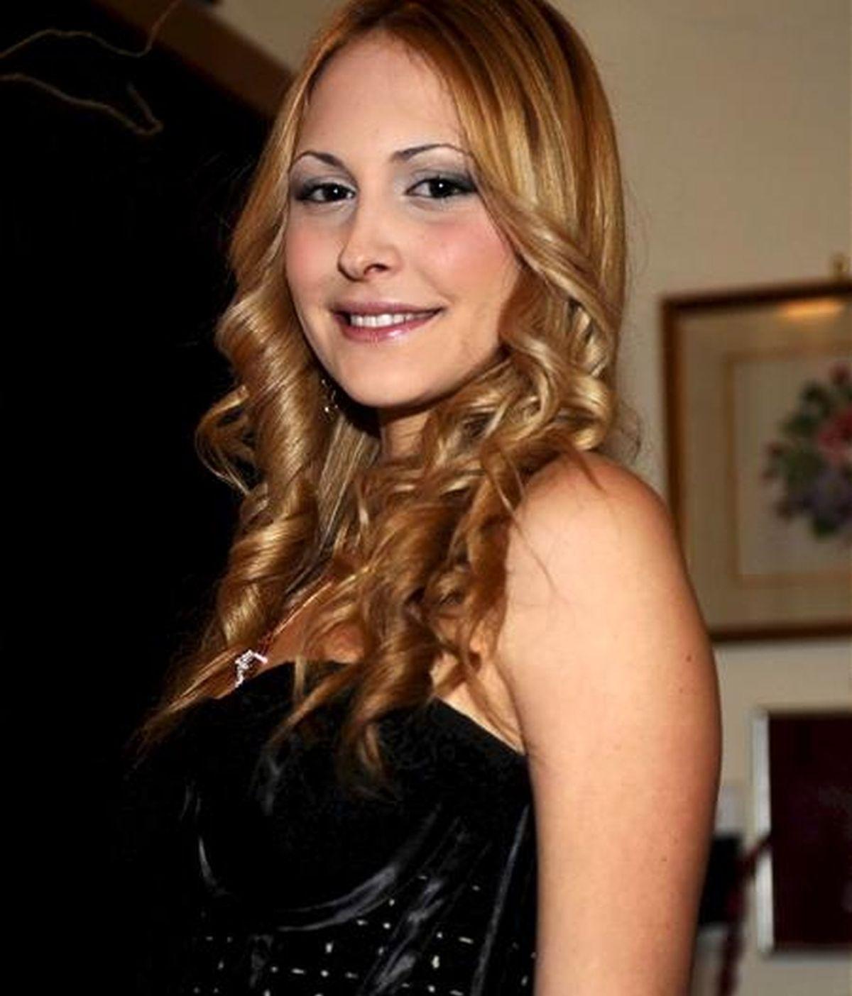 Noemí Letizia, la joven cuyo 18 cumpleaños ha desencadenado el divorcio de Silvio Berlusconi. EFE/Archivo