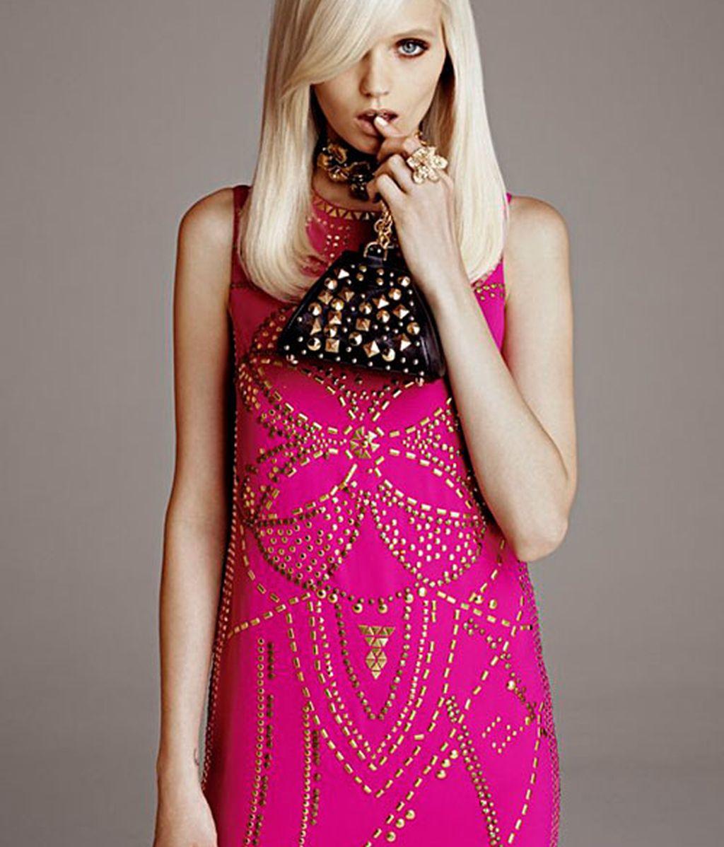 Versace tiende la mano al pueblo: su colección para H&M
