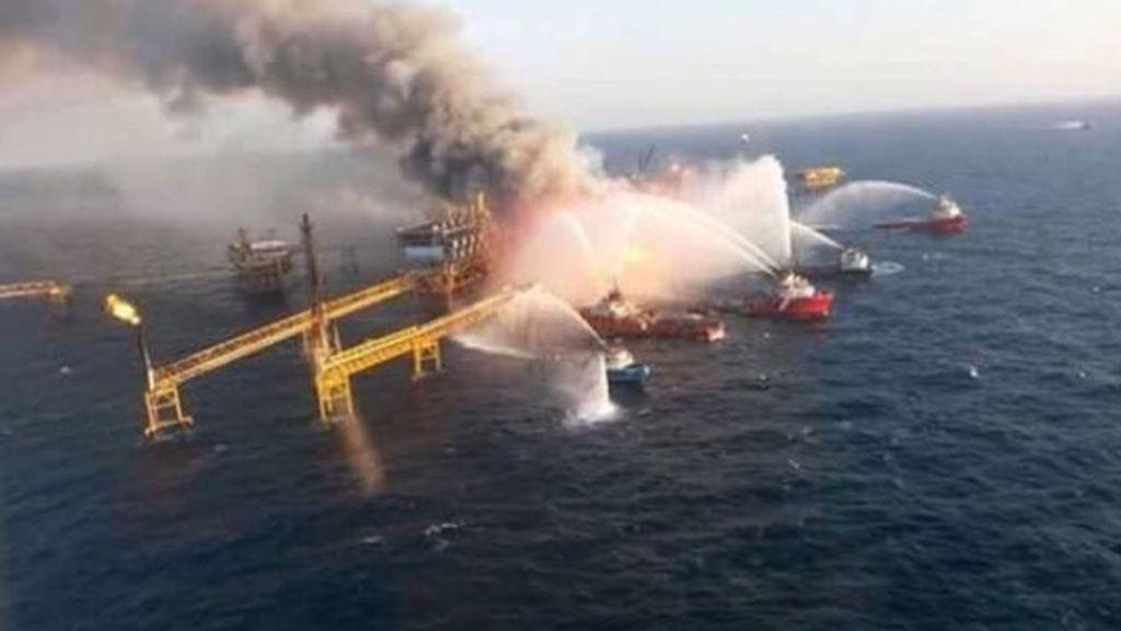 Incendio en la plataforma petrolera Abkatun de Pemex