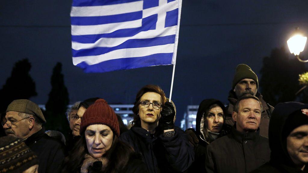 Miles de griegos salen a la calle para apoyar al Gobierno de Tsipras en sus negociaciones con la UE