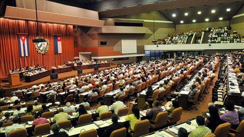 Vista general de la sesión plenaria de la Asamblea Nacional del Poder Popular (Parlamento), en La Habana (Cuba), que aprobó una declaración que denuncia la situación de Gerardo Hernández, uno de los cinco agentes cubanos presos y condenados por espionaje en Estados Unidos. EFE
