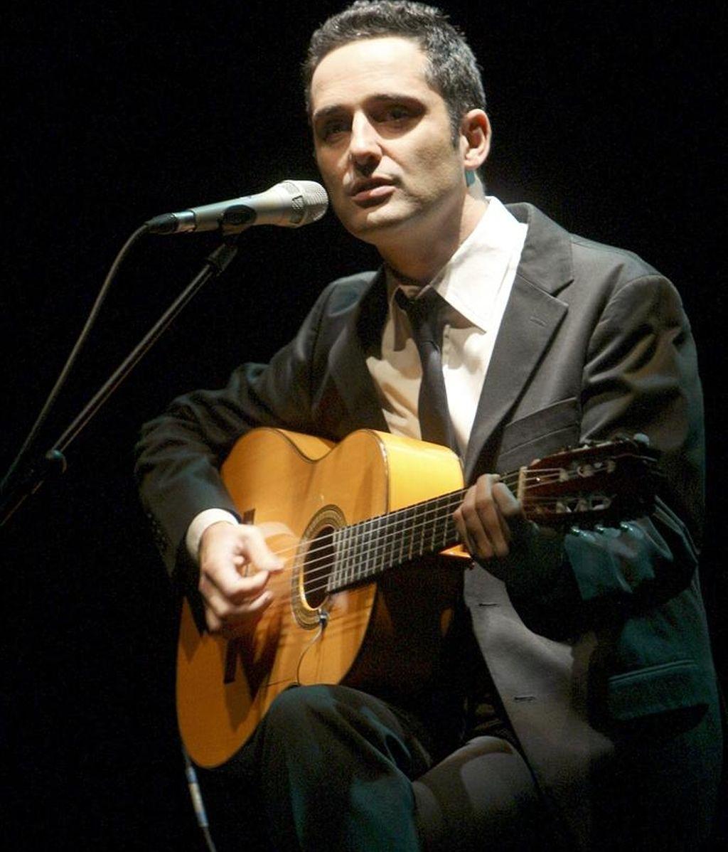 El cantautor uruguayo Jorge Drexler durante un concierto en el Teatro Albeniz de Madrid. EFE/Archivo