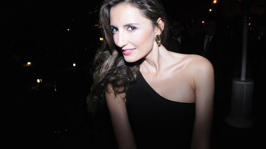 La modelo y periodista Mónica de Tomás lució pendientes de Tous