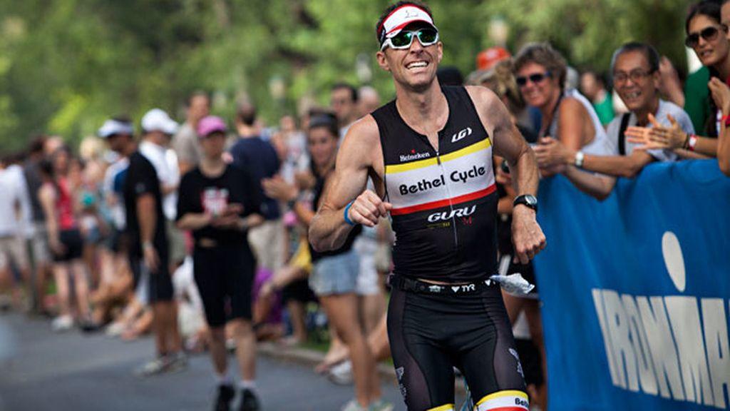 Un competidor en el Campeonato Ironman, en EEUU
