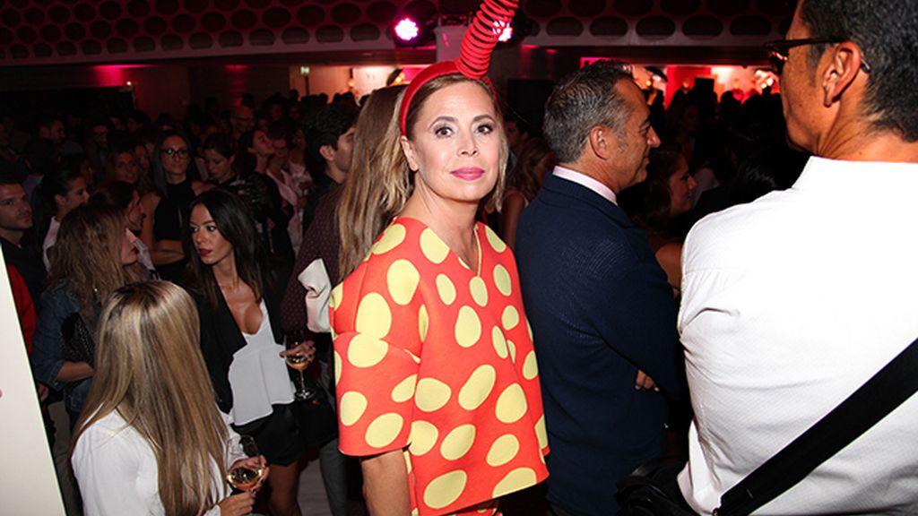 Ágatha Ruiz de la Prada, una de las principales representantes de la moda española, apoyando a YoDona en su 10 aniversario