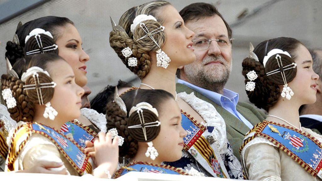 Rajoy entre falleras
