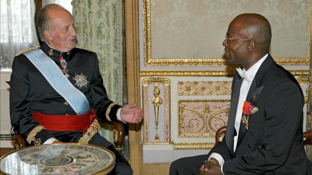 El hasta ahora embajador de Costa de Marfil en España, Paul Ambohale Ayoman, en la presentación de sus cartas credenciales al rey en el Palacio Real. EFE/Archivo