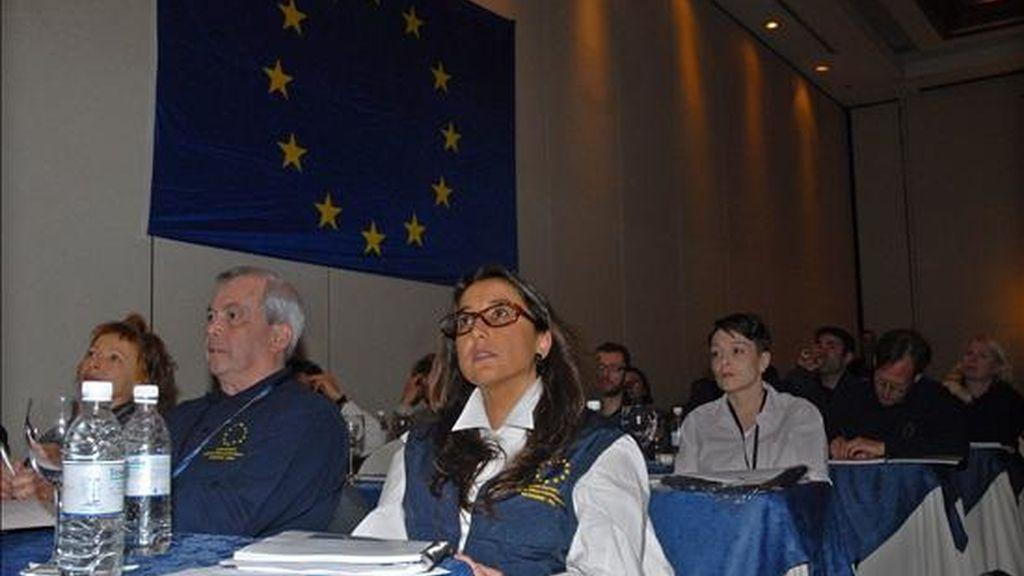 Un grupo de 40 observadores de la Unión Europea (UE) se prepara este viernes en Quito (Ecuador), para desplazarse mañana a las diferentes provincias de Ecuador donde comenzaran la supervisión de las elecciones generales que se celebrarán el próximo 26 de abril. EFE
