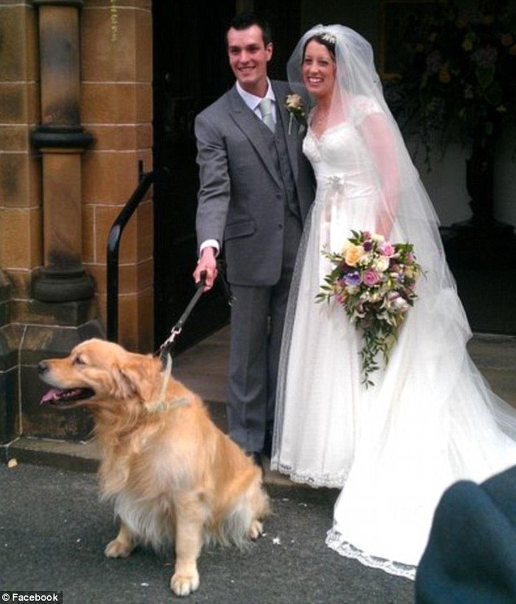 Ian Redmond, de 30 años,  y Gemma Houghton, de 27, en su boda