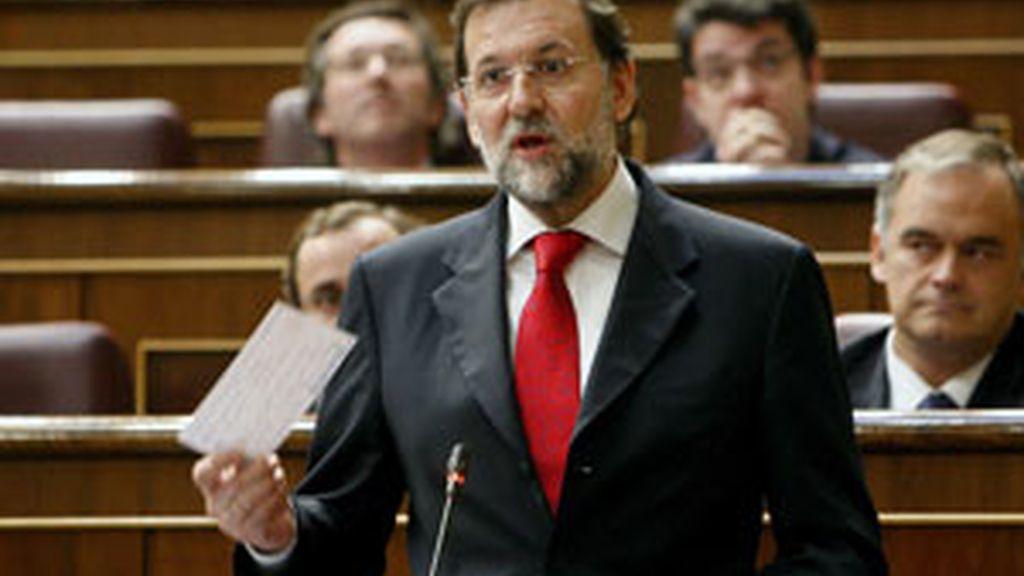 """Rajoy ve """"despistado"""" a Zapatero. Vídeo:Atlas"""