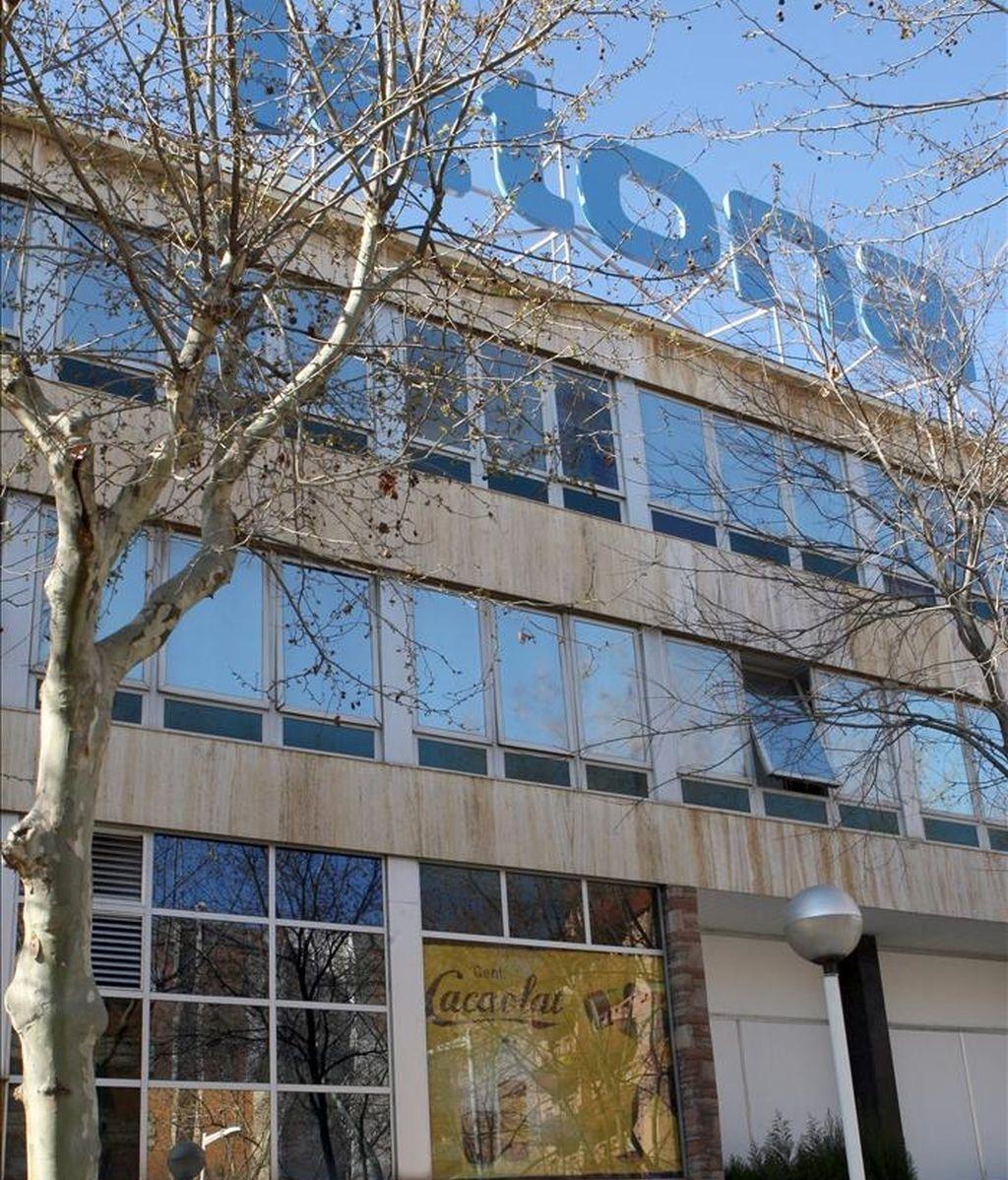 Vista de la fachada de la empresa Cacaolat de Barcelona. EFE/Archivo