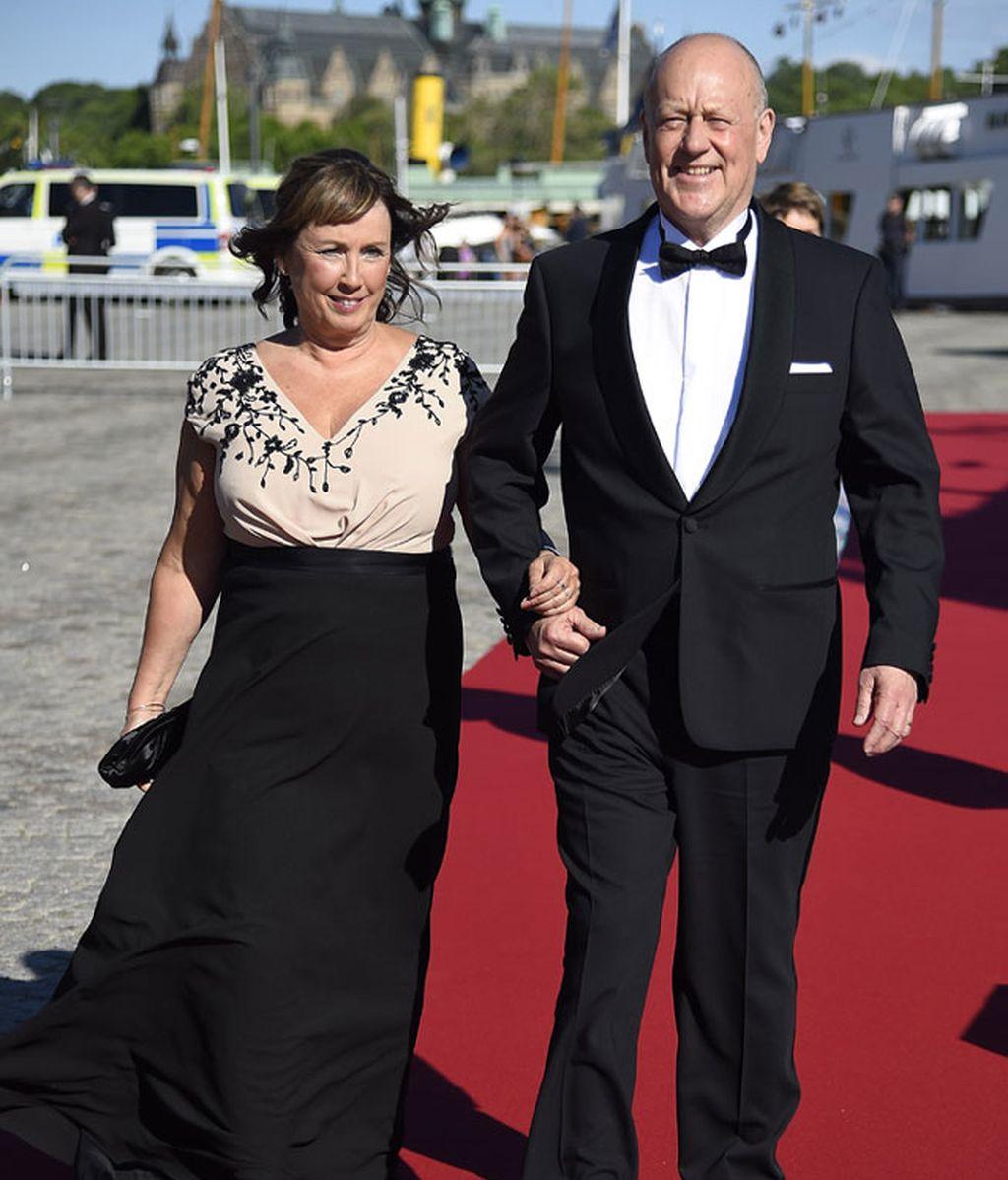 El príncipe Carlos Felipe y Sofia Hellqvist despiden su soltería con una cena de gala