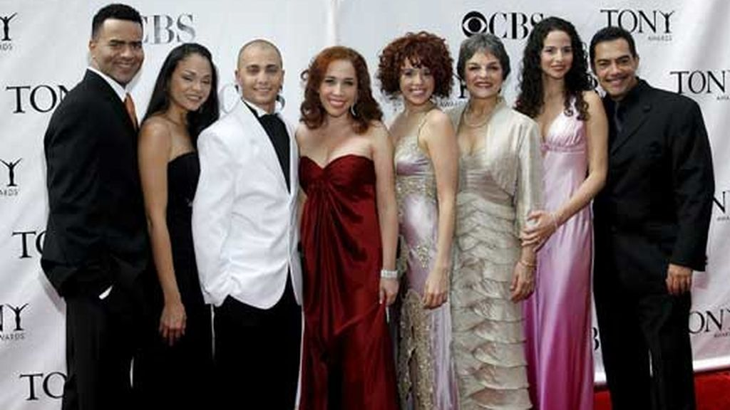 """El repatro de la obra musical """"In the Heights"""", premiada como mejor musical. Foto: EFE"""