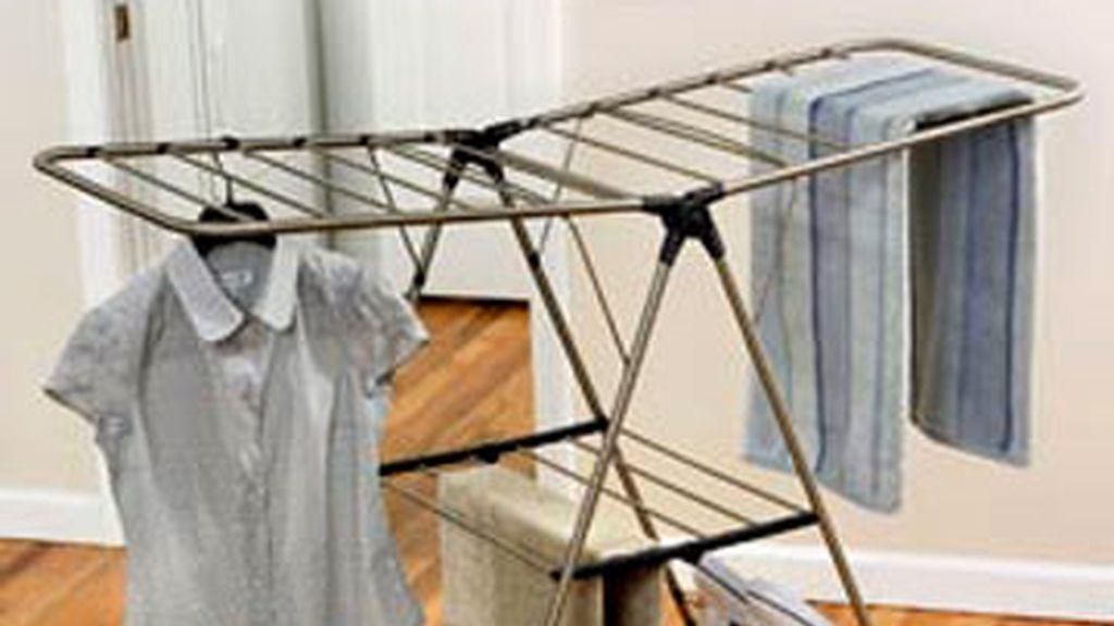 ropa colgada, tendedero, secado ropa