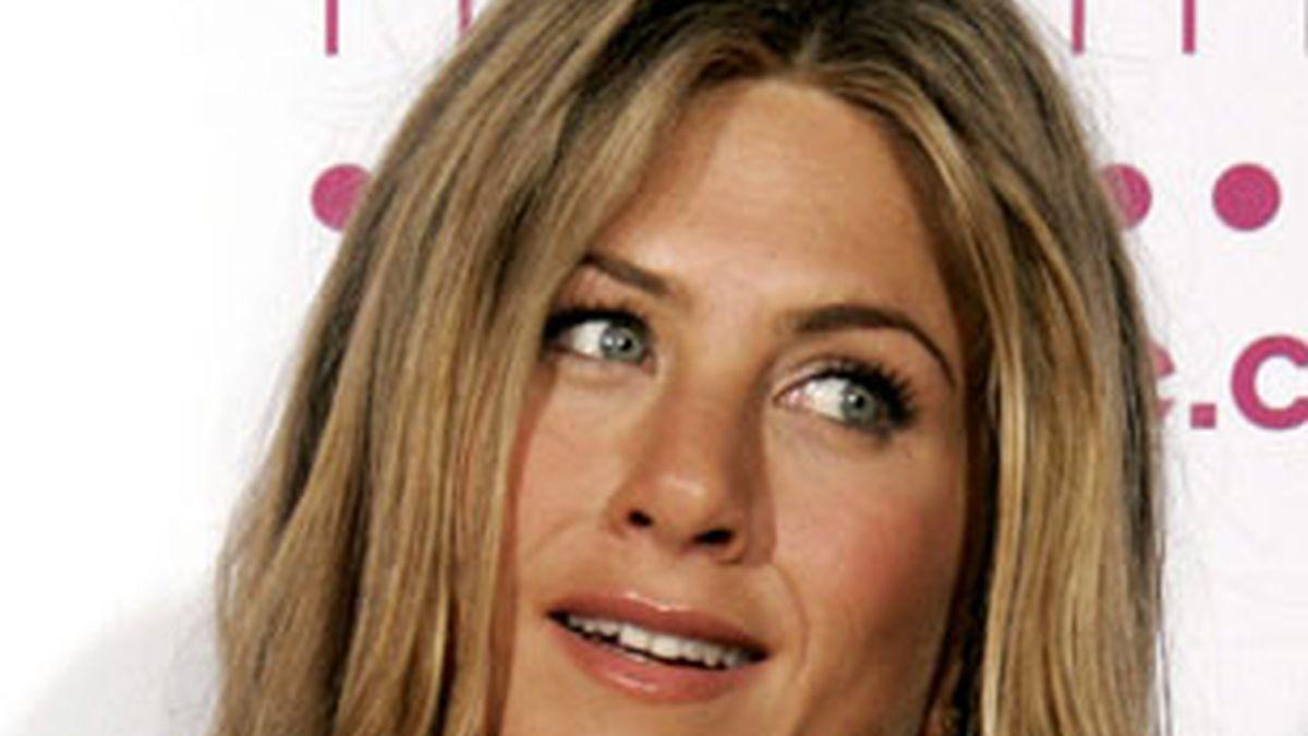 Jennifer Aniston no parece demasiado contenta con su físico actual. Foto: AP