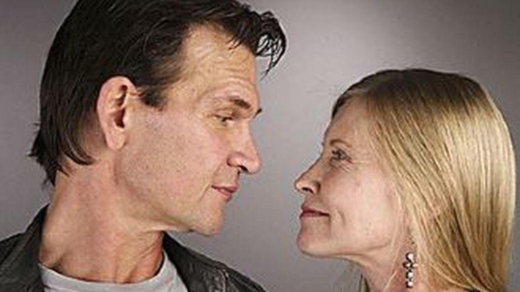 Patrick Swayze falleció en septiembre de 2009. Su esposa -en la foto- ha revelado el severo alcoholismo que sufrió el actor.